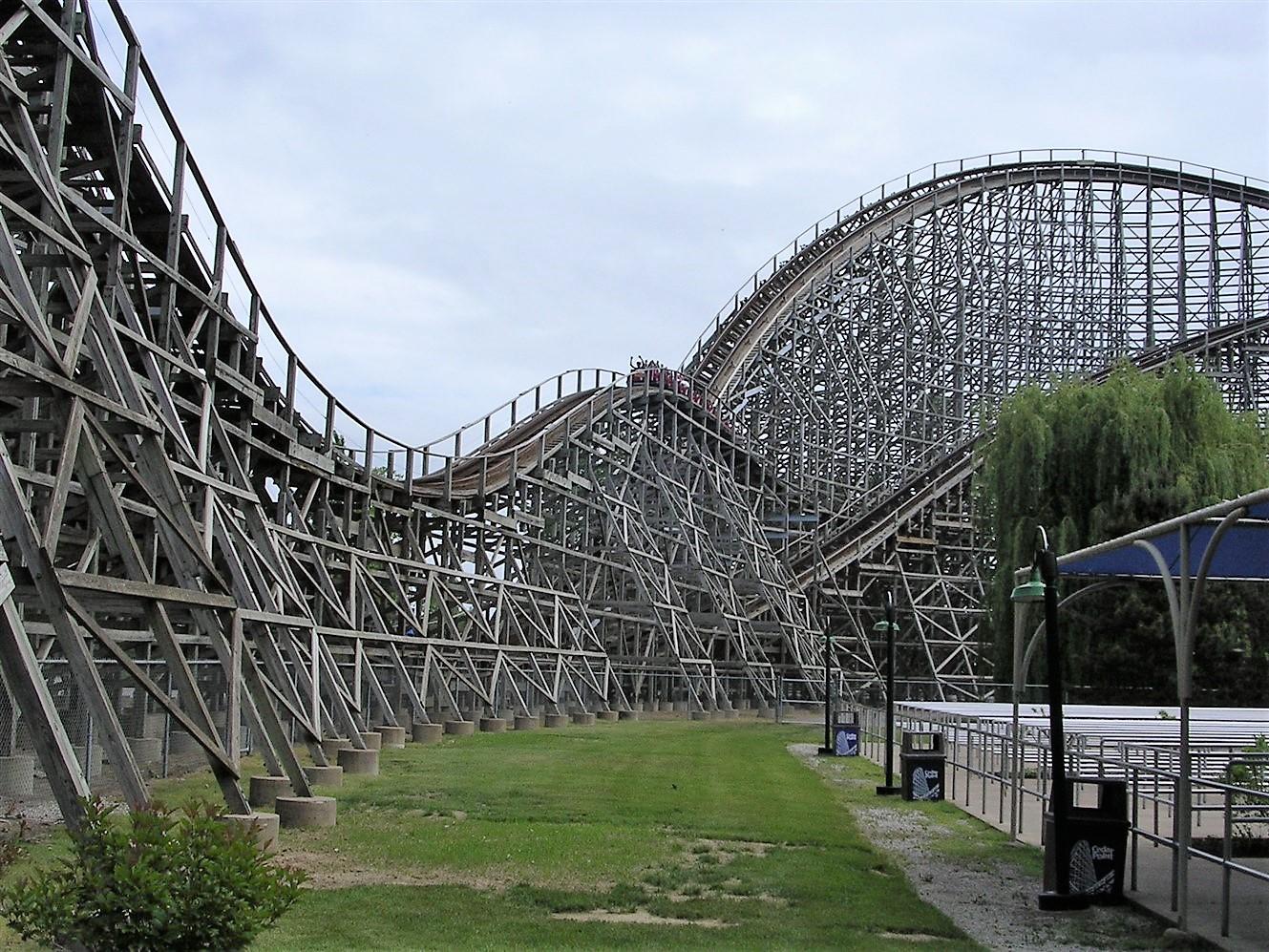 2005 06 03 Cedar Point 15.jpg
