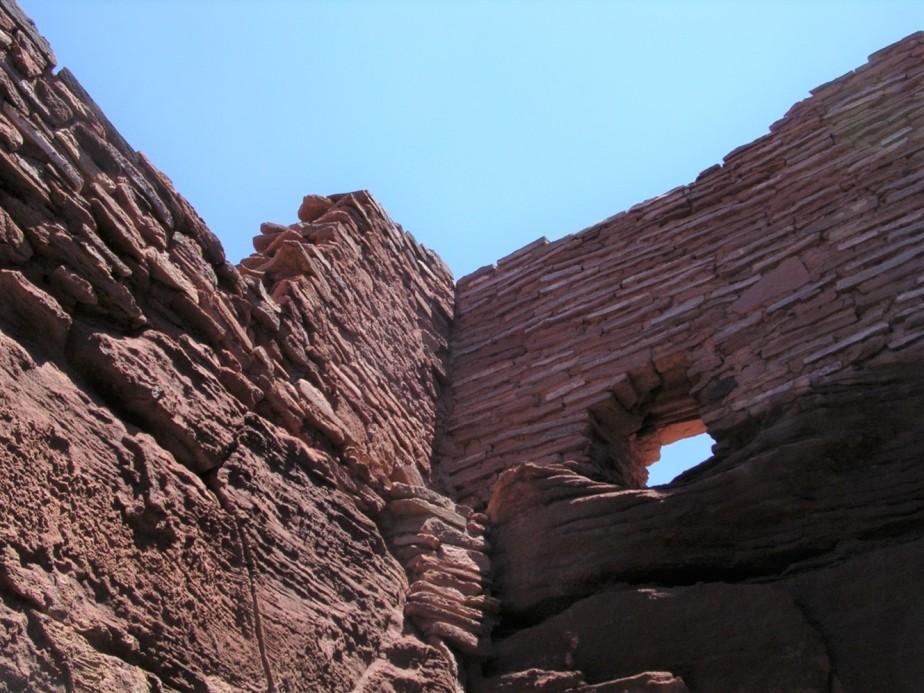 2005 06 26 Wupataki Ruins Arizona 21.jpg