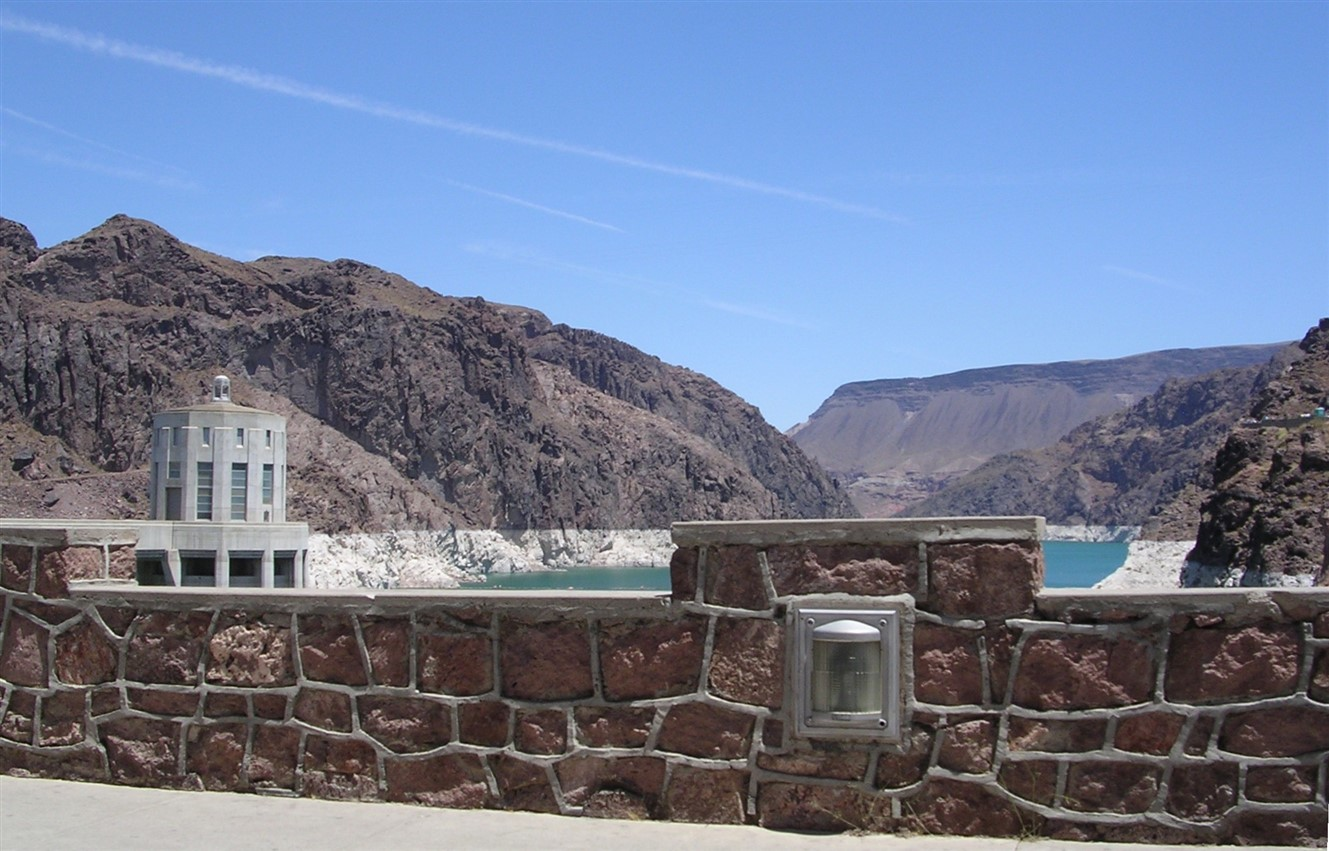 2005 06 27 Hoover Dam 2.jpg