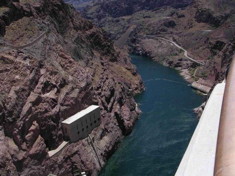 2005 06 27 Hoover Dam 25.jpg
