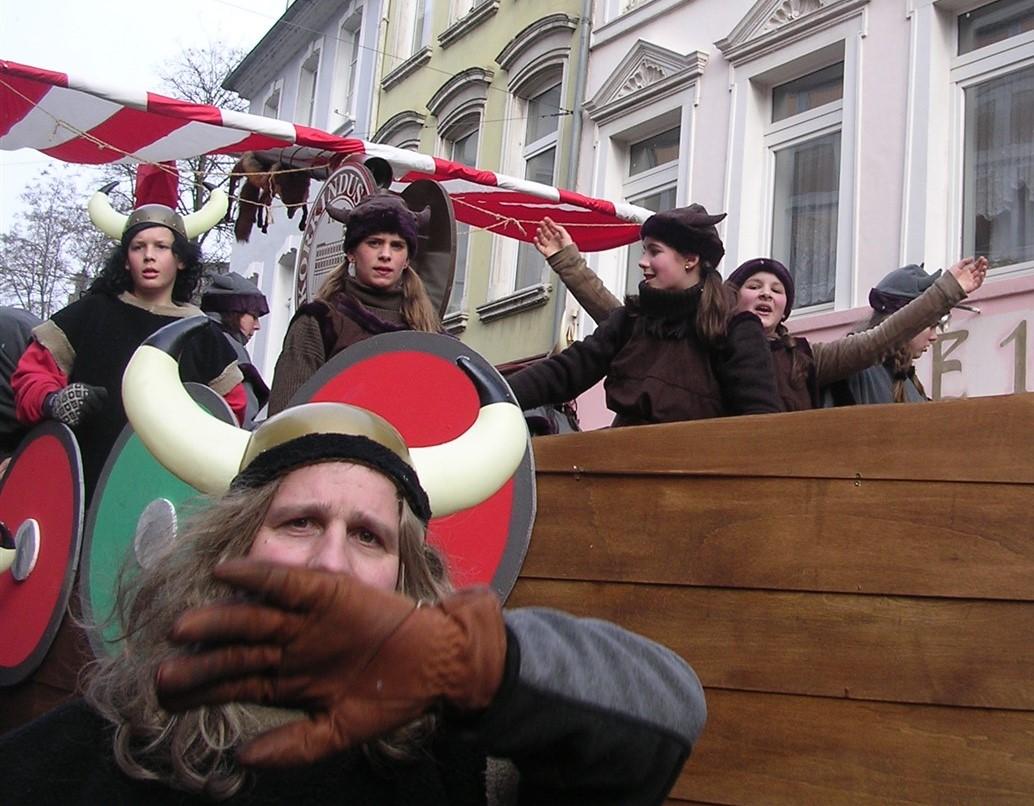 2006 02 27 Trier Germany Rosenmontagszug 117.jpg
