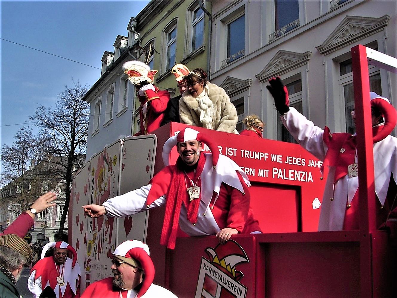2006 02 27 Trier Germany Rosenmontagszug 31.jpg