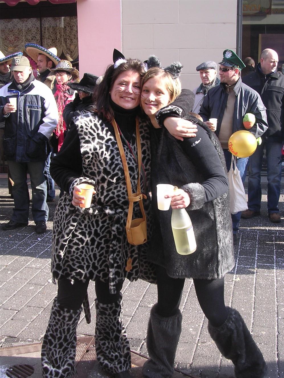 2006 02 27 Trier Germany Rosenmontagszug 57.jpg