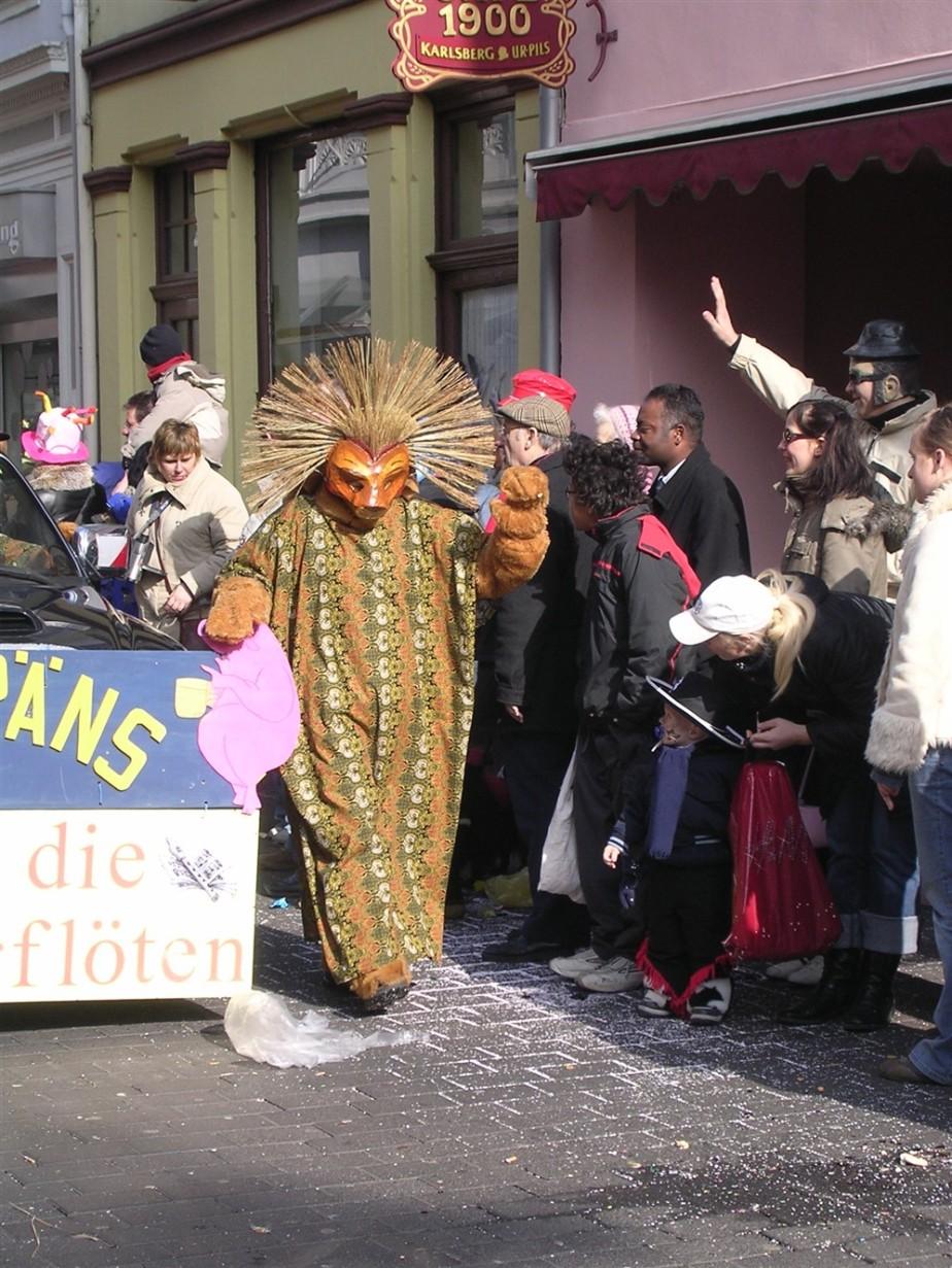 2006 02 27 Trier Germany Rosenmontagszug 69.jpg