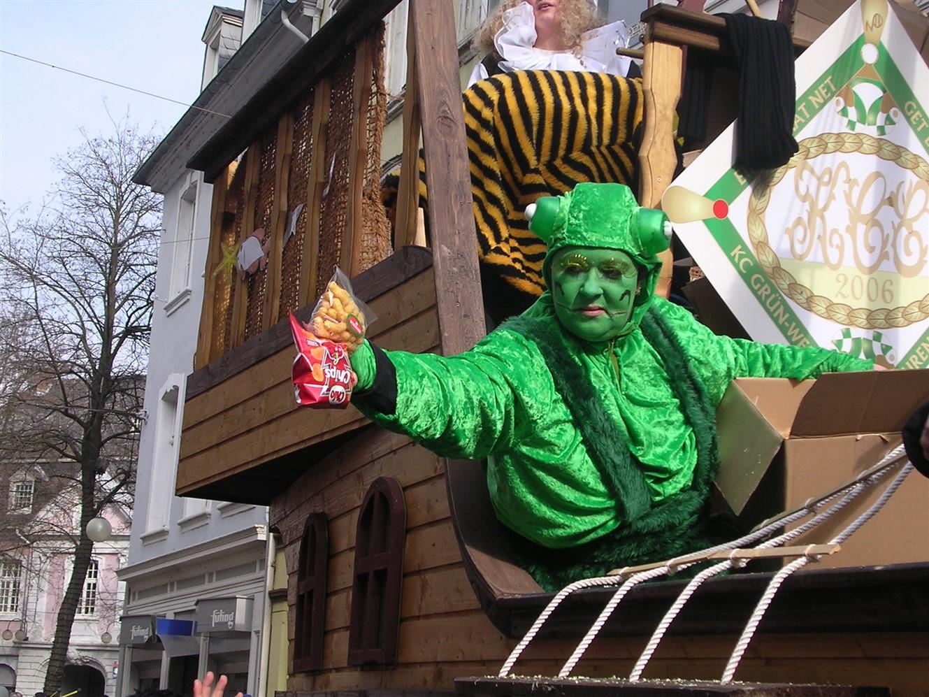 2006 02 27 Trier Germany Rosenmontagszug 78.jpg