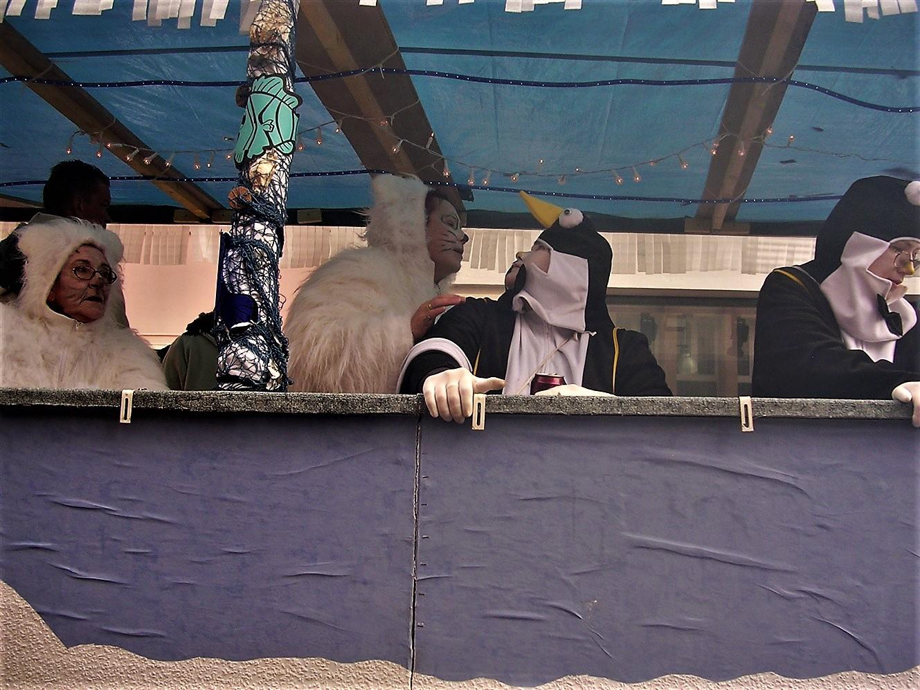 2006 02 27 Trier Germany Rosenmontagszug 82.jpg