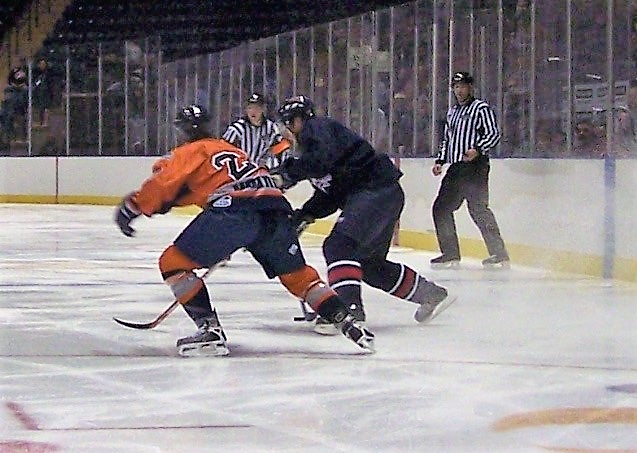 2006 10 13 Youngstown Steelhounds Hockey 3.jpg