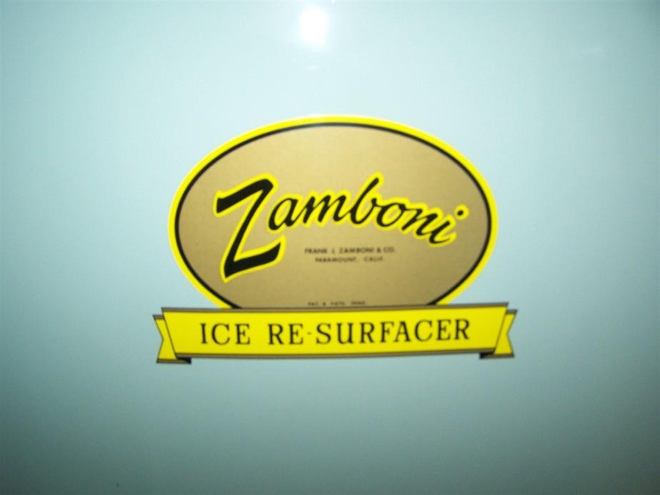 2006 11 05 44 Home of The Zamboni Iceland Paramount CA.jpg