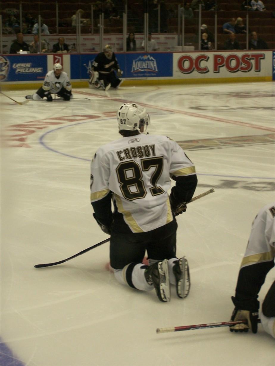 2006 11 06 22 Pittsburgh vs Anaheim Hockey.jpg