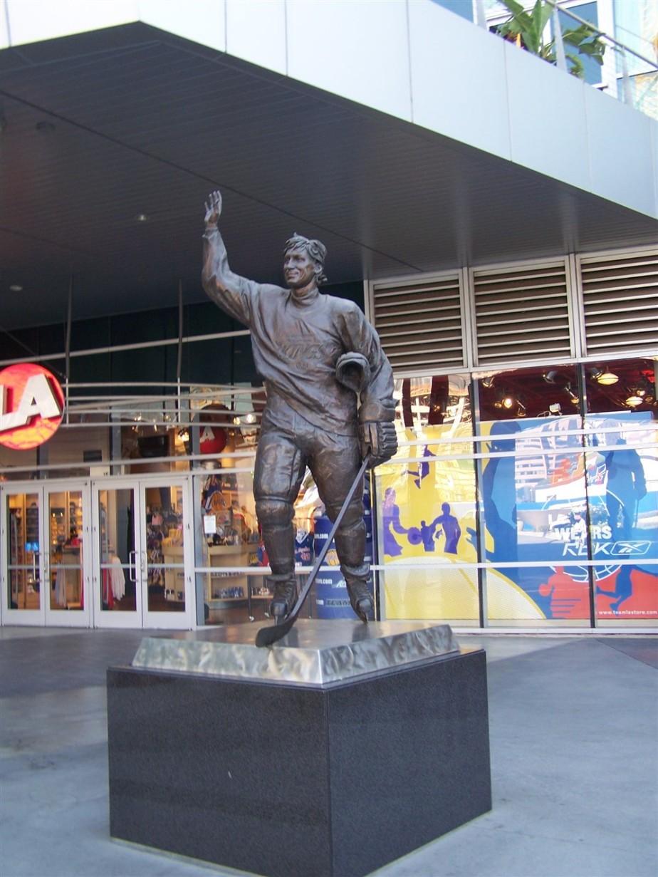 2006 11 08 1 Staples Center.jpg