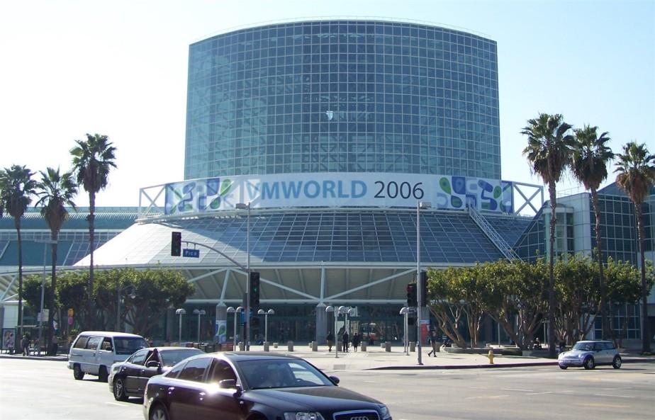 2006 11 08 4 LA Convention Center VMWorld.jpg