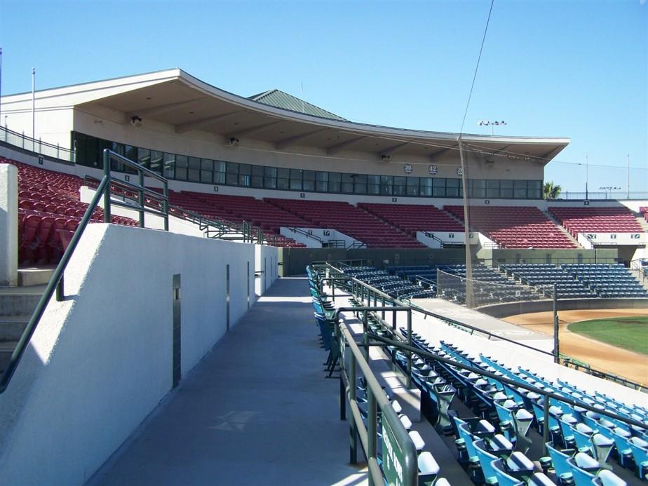 2006 11 10 16 Rancho Cucamonga Earthquakes Minor League Baseball.jpg
