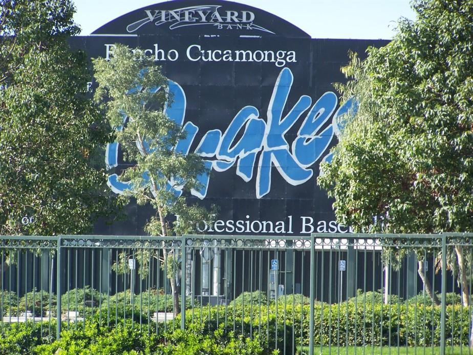 2006 11 10 25 Rancho Cucamonga Earthquakes Minor League Baseball.jpg