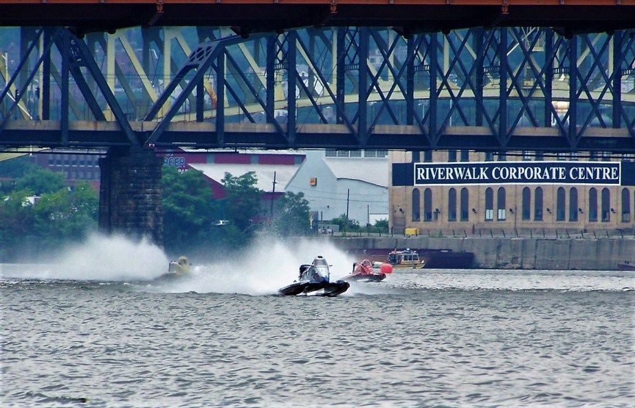 2007 07 04 Pittsburgh Regatta 31.jpg