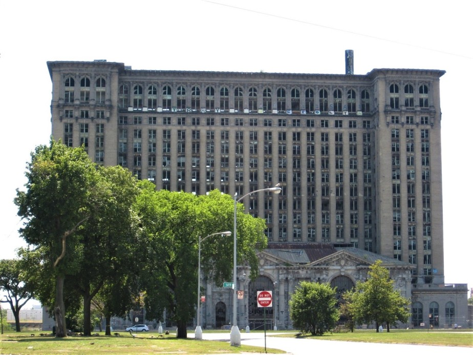 2008 08 16 113 Detroit Michigan Central Station.jpg