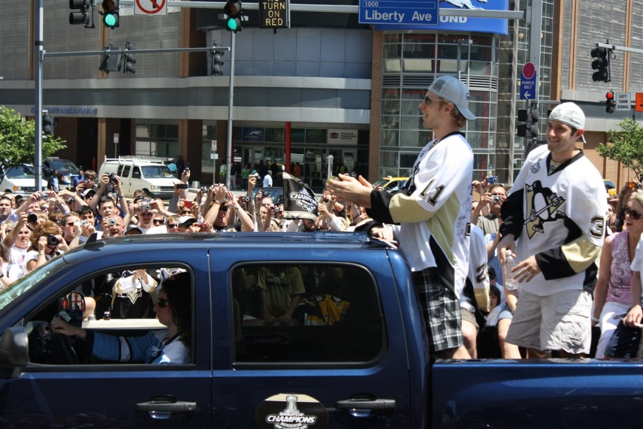 2009 06 15 Pittsburgh Penguins Stanley Cup Parade 41.jpg