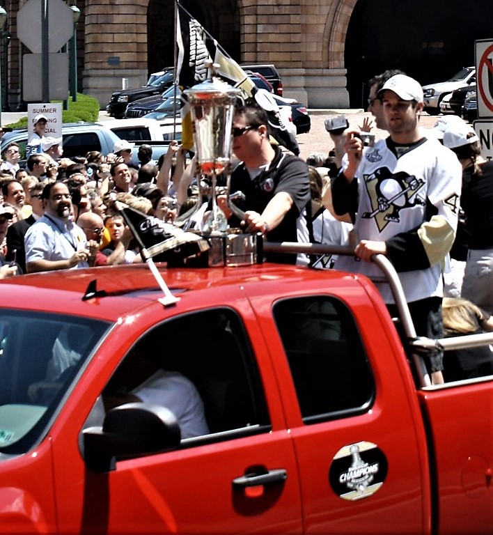 2009 06 15 Pittsburgh Penguins Stanley Cup Parade 49.jpg