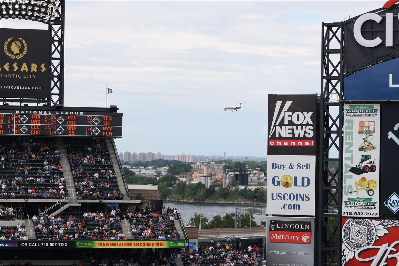 2009 06 21 Law School Road Trip Day 6 New York Mets 128.jpg