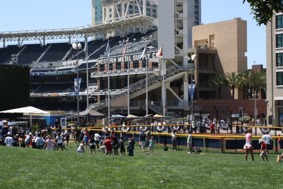 2009 08 23 49 San Diego Petco Field.jpg