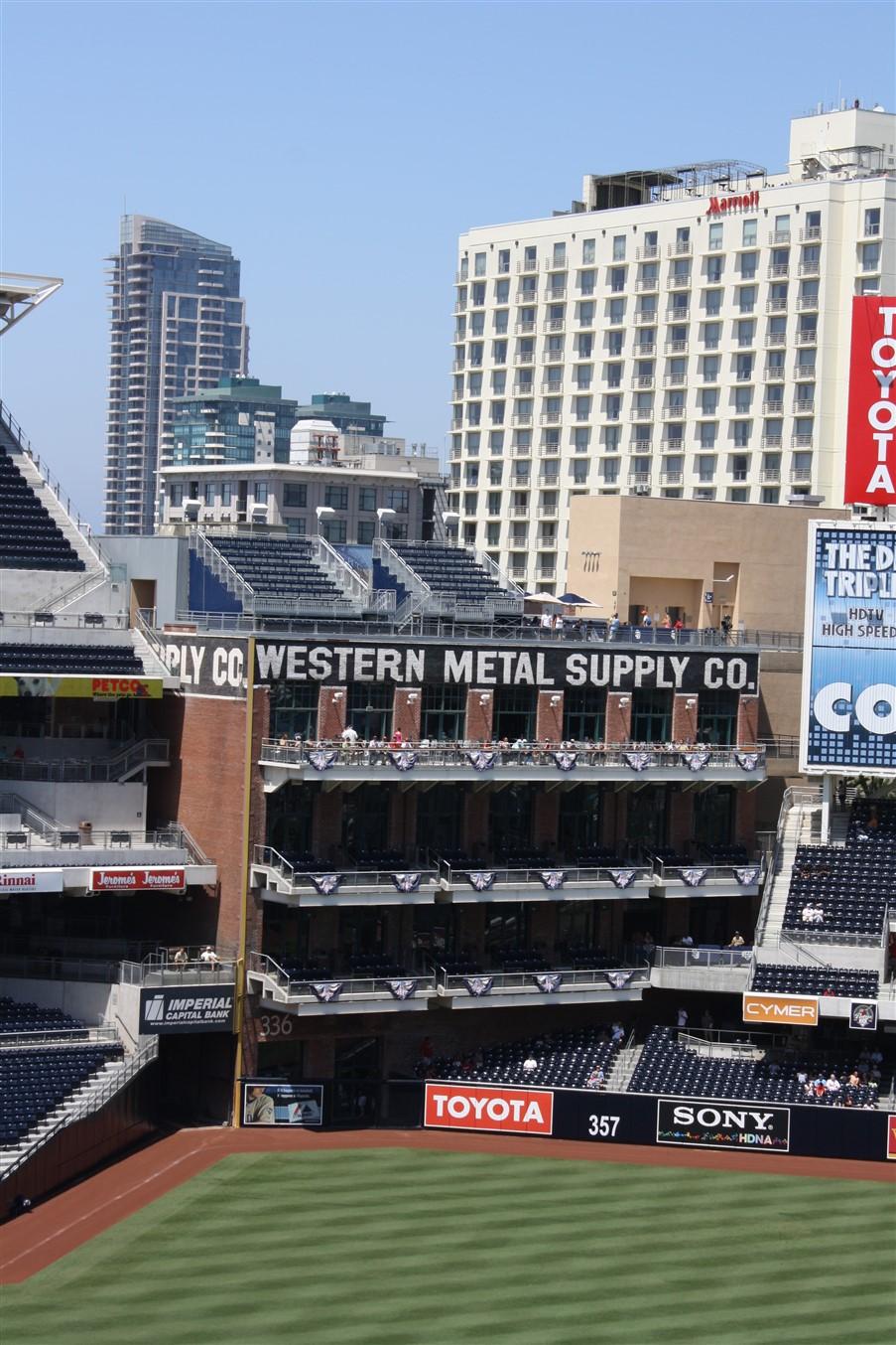2009 08 23 61 San Diego Petco Field.jpg