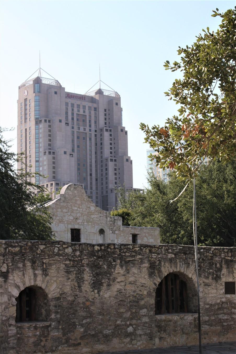 2009 08 27 1 San Antonio Alamo.jpg