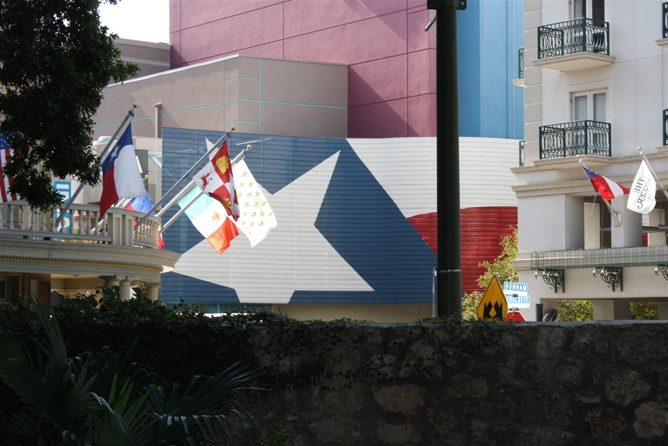 2009 08 27 17 San Antonio Alamo.jpg