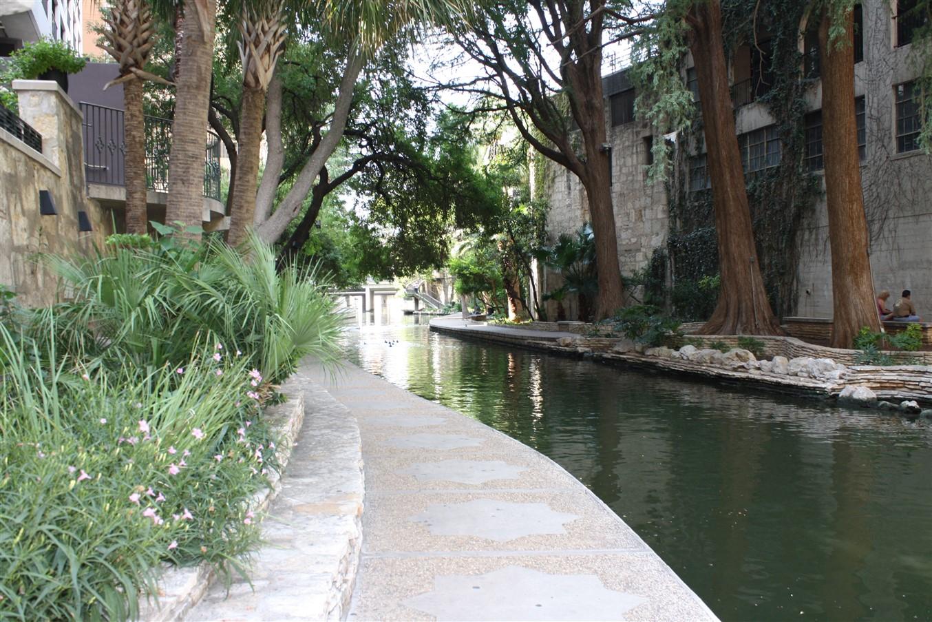 2009 08 27 22 San Antonio.jpg