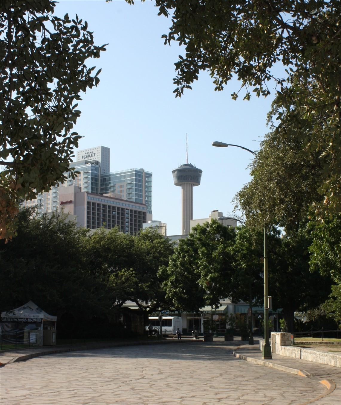 2009 08 27 3 San Antonio Alamo.jpg