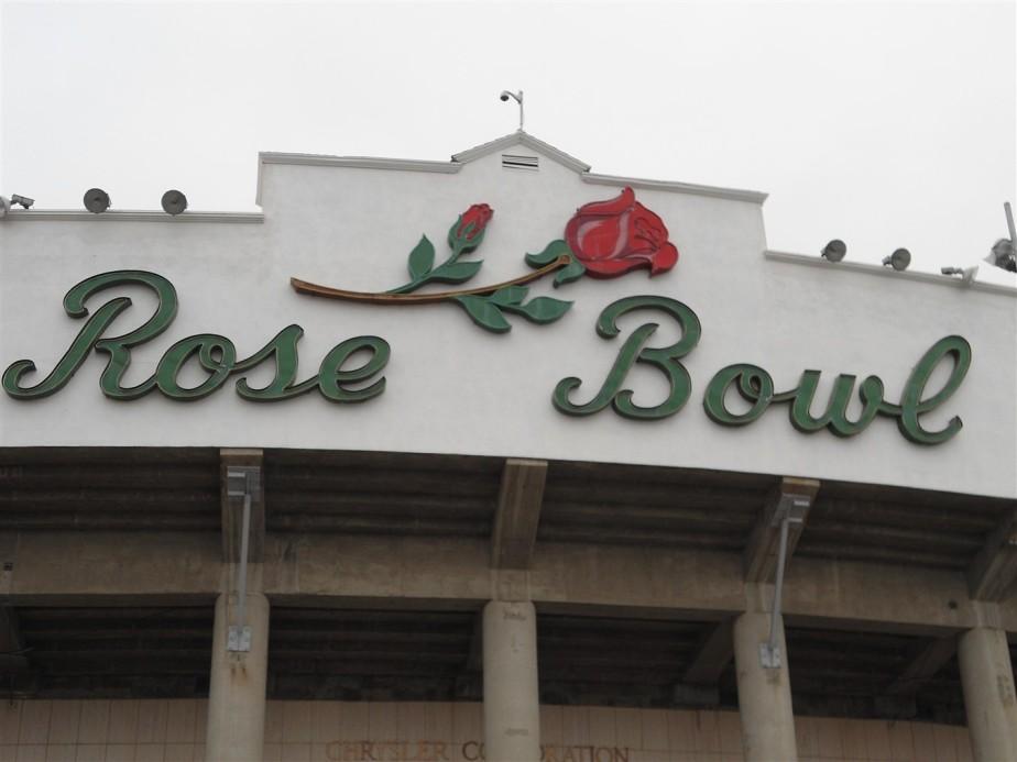 2012 03 11 4 Pasadena Rose Bowl Flea Market.jpg