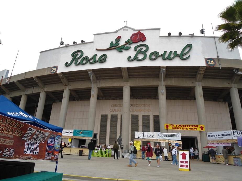 2012 03 11 8 Pasadena Rose Bowl Flea Market.jpg