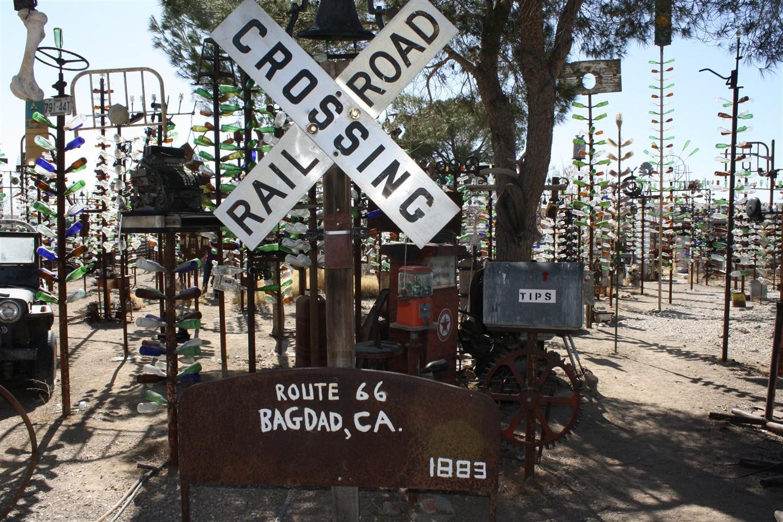 2012 03 13 59 Oro Grande CA Bottle Trees.jpg