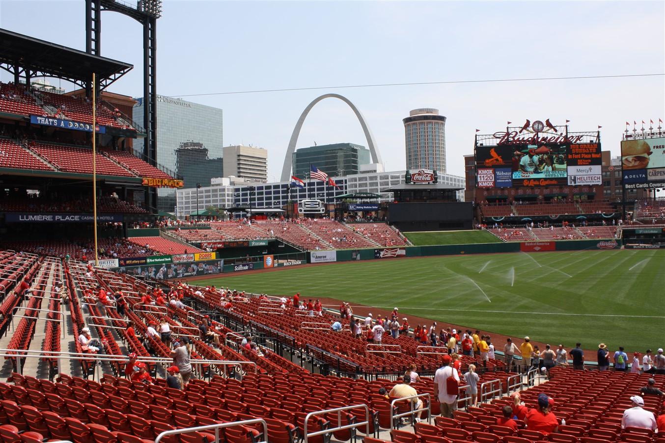 2012 07 01 142 St Louis Busch Stadium.jpg