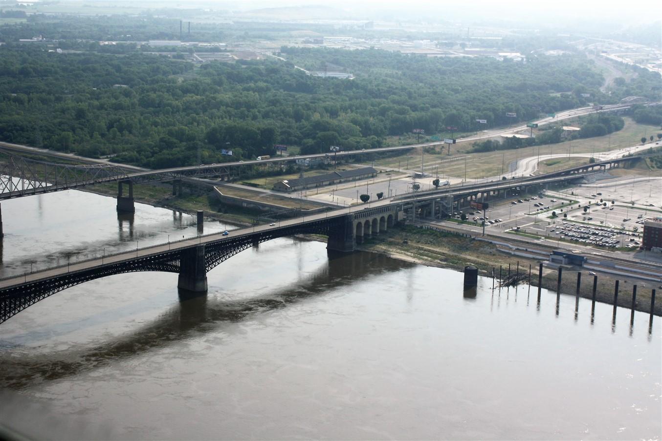 2012 07 01 22 St Louis Gateway Arch.jpg