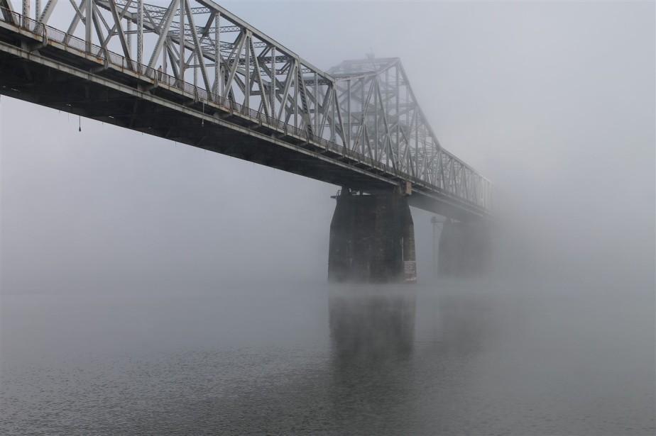 Louisville – October 2013 – A Foggy Tour ofDowntown