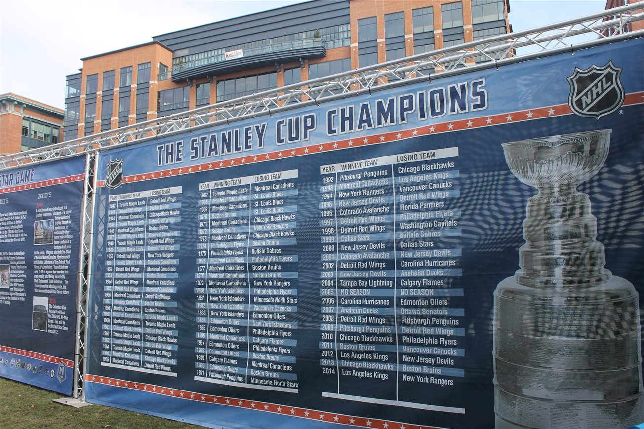 2015 01 24 87 NHL Fan Fair.jpg