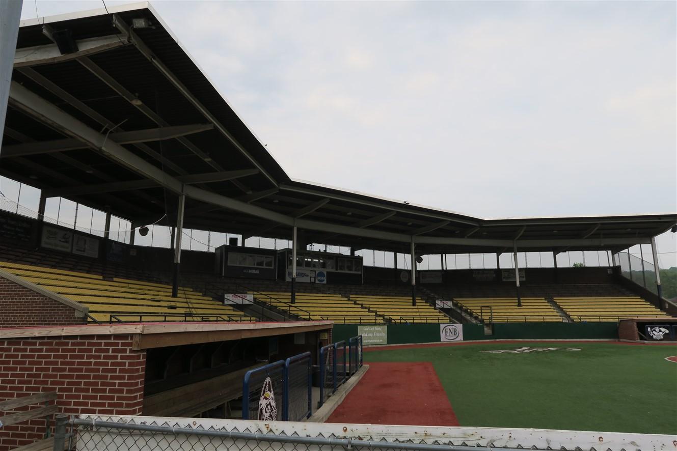 2015 05 10 3 Chillicothe VA Stadium.jpg