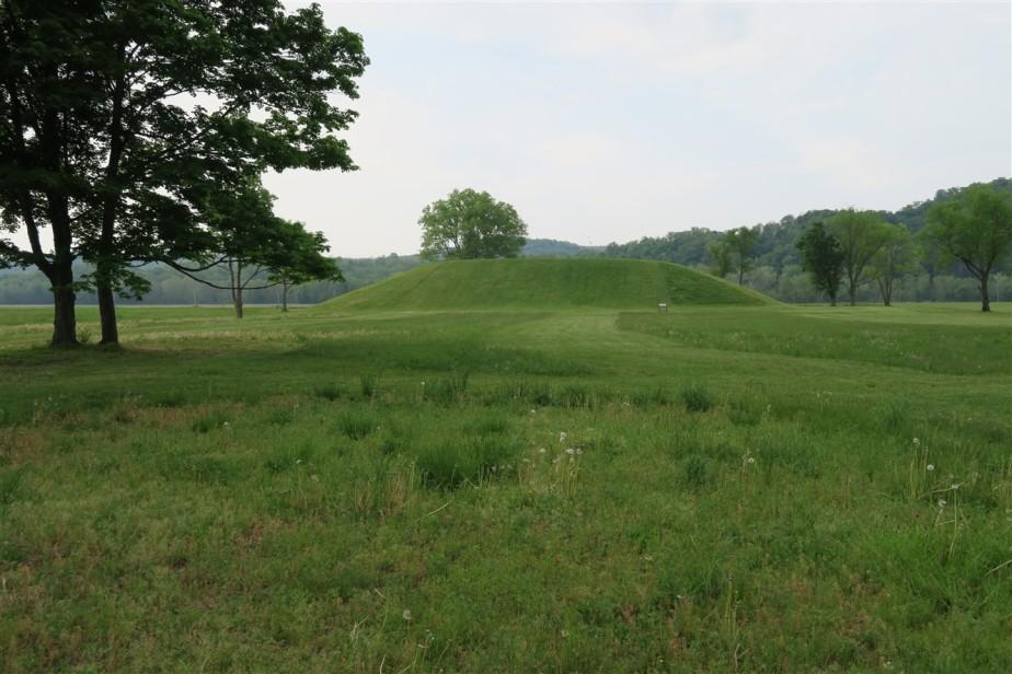2015 05 10 7 Seip Mound Ohio.jpg