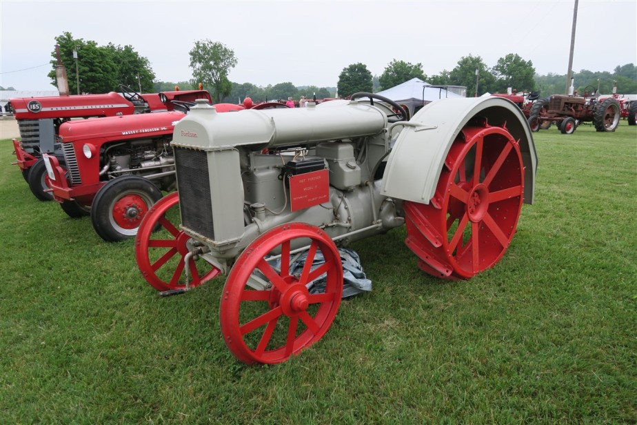 2015 06 06 36 Piketon Ohio Antique Farm Equipment.jpg