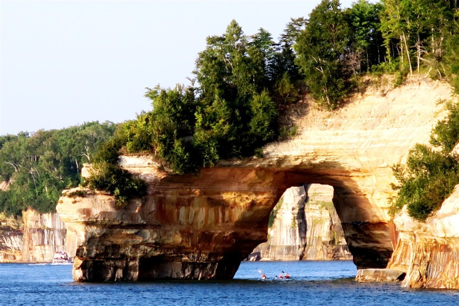 Michigan Upper Peninsula – National Parks Road Trip – Day 2 – Pictured Rocks National Lakeshore & Tahquameon Falls State Park