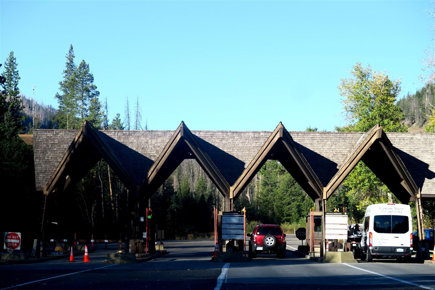 2015 09 11 24 Yellowstone National Park WY.jpg