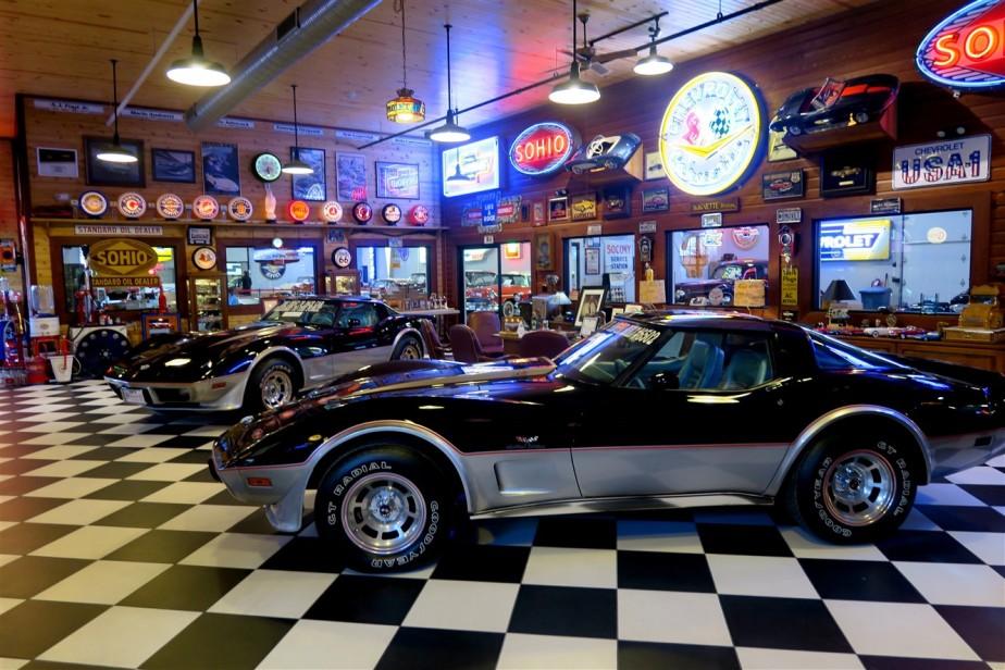 2015 10 16 73 Canal Winchester Corvette Museum.jpg