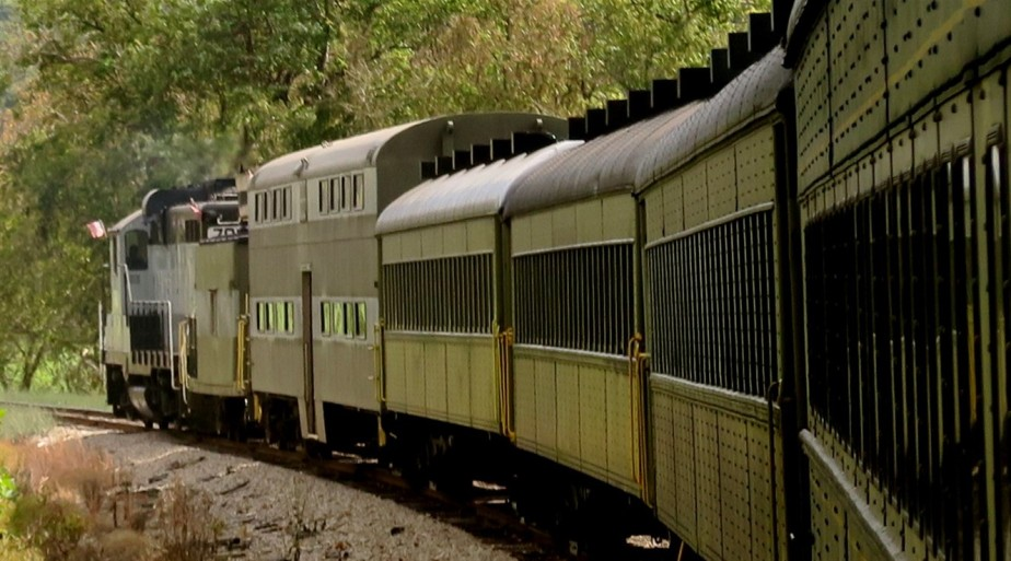 Nelsonville – October 2015 – Hocking Valley ScenicRailroad