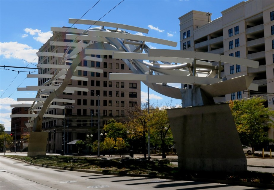 2015 10 18 33 Dayton First Flight Sculpture.jpg
