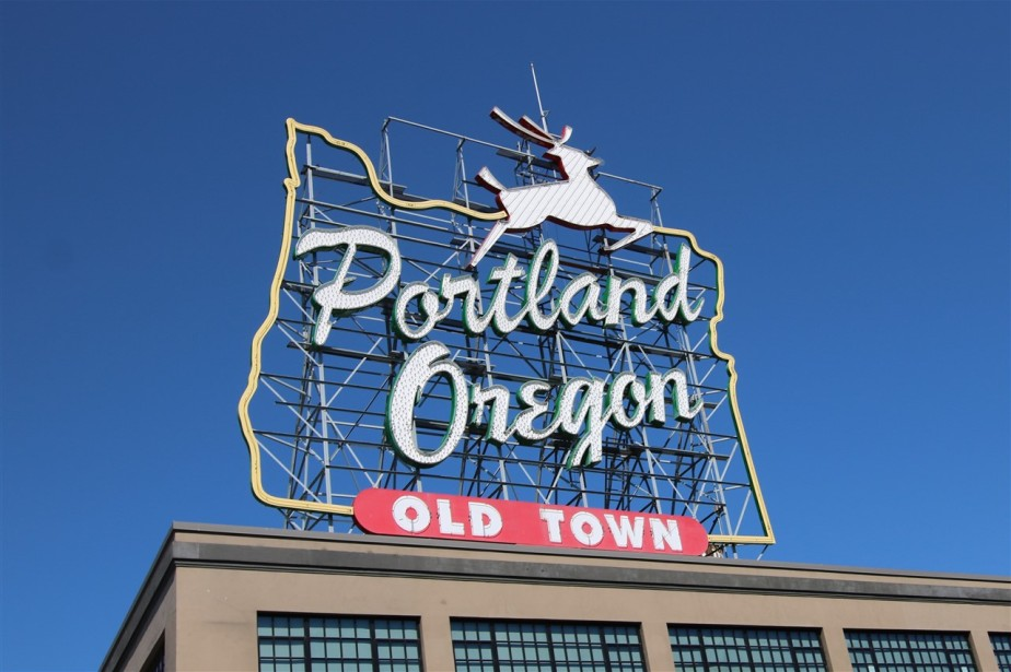 Portland, Oregon – Spring 2016 Road Trip – Day 16 – A Morning in Oregon and a Long Trip Home