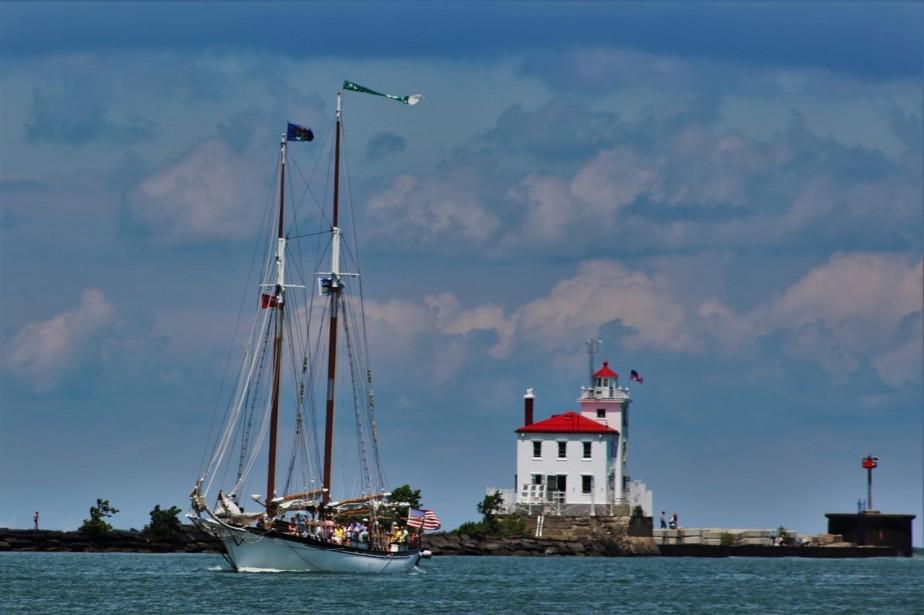 2016 07 09 109 Fairport Harbor OH Tall Ships.jpg