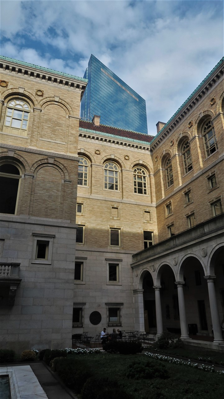 2016 09 01 142 Boston Main Library.jpg