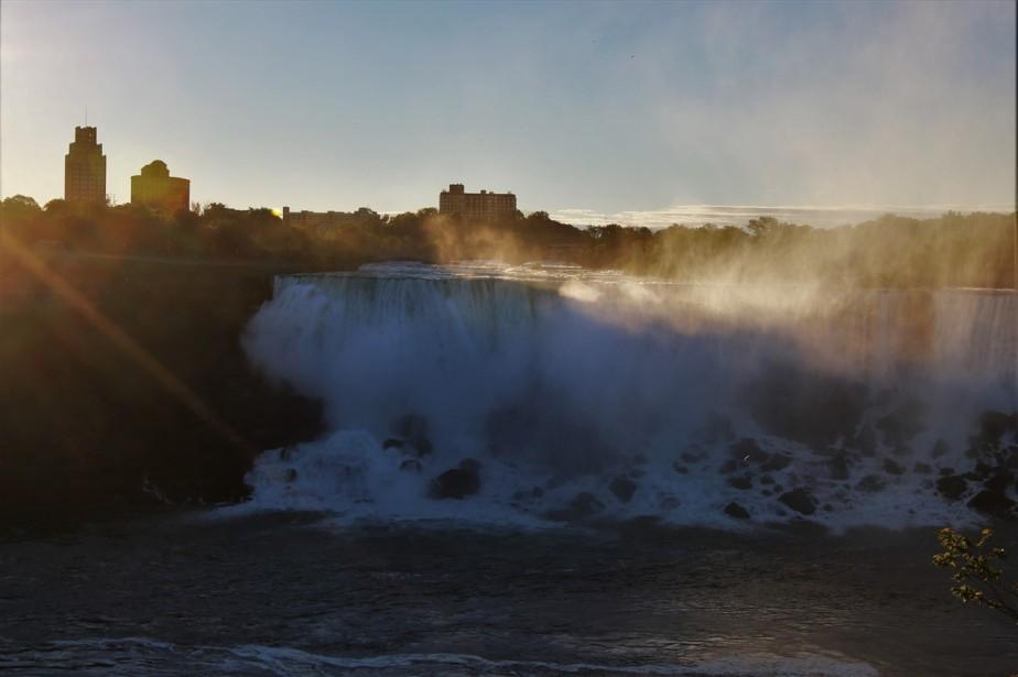2016 09 11 18 Niagara Falls.jpg