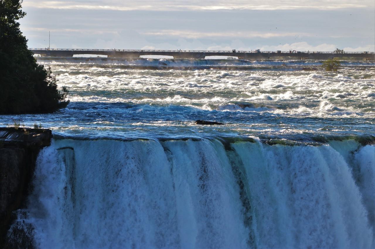2016 09 11 32 Niagara Falls.jpg