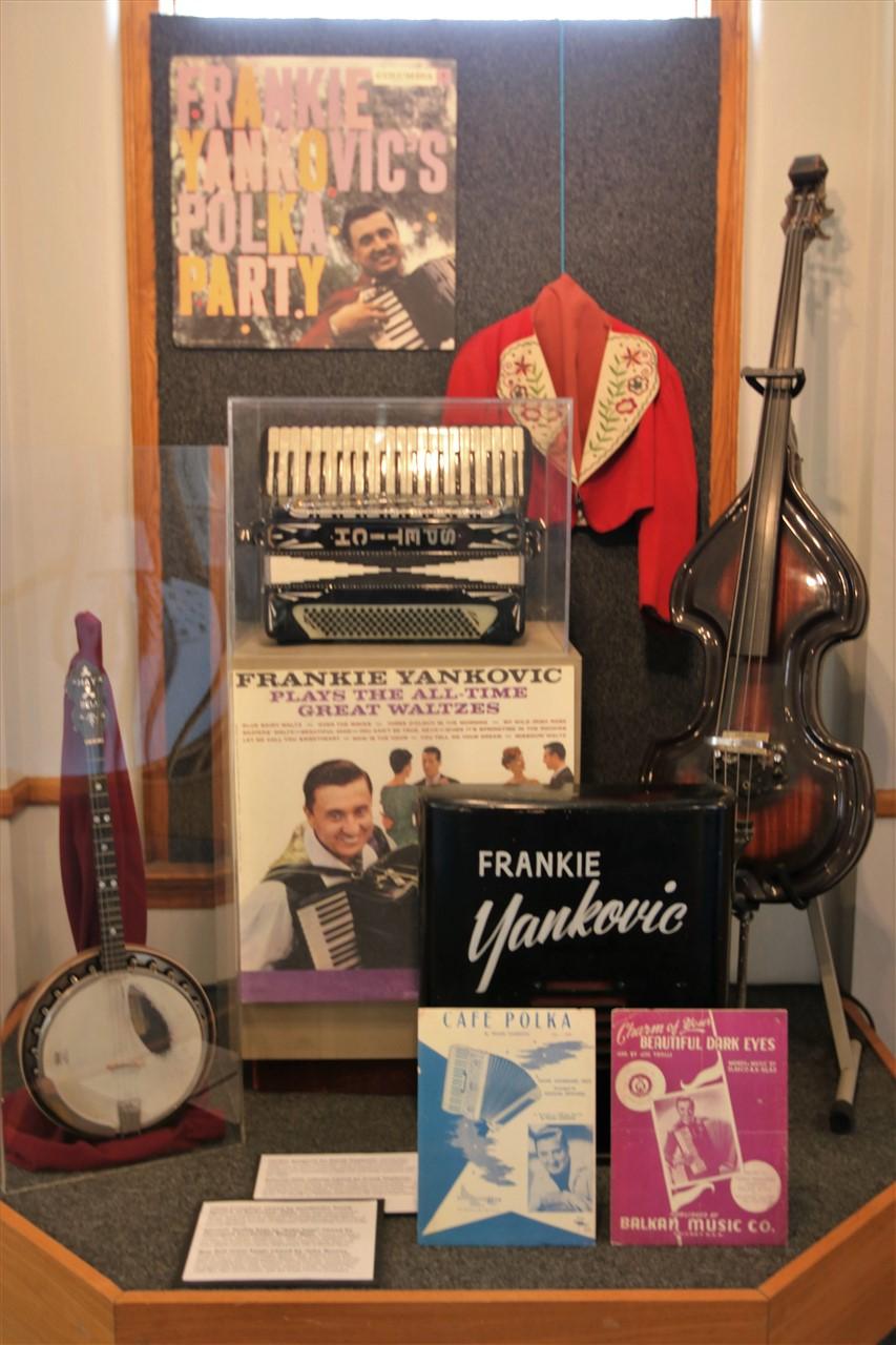 2016 10 29 103 Euclid OH Polka Hall of Fame.jpg