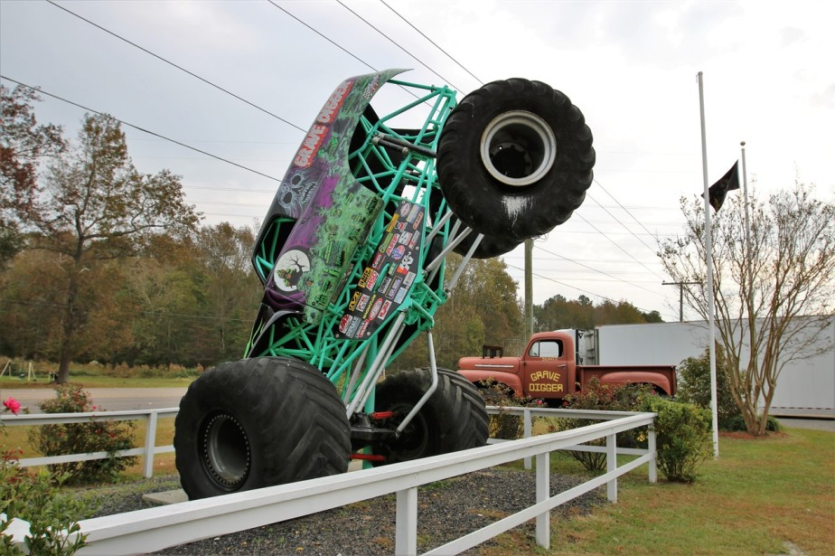 2016 11 09 13 Poplar Branch NC Monster Truck Ranch.jpg